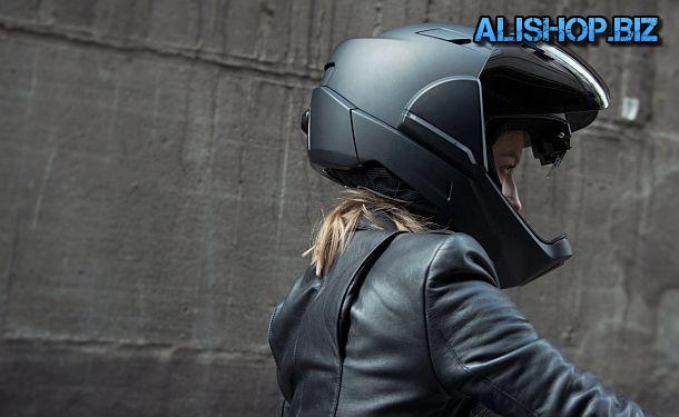 Высокотехнологичный мотоциклетный шлем с обзором в 360°