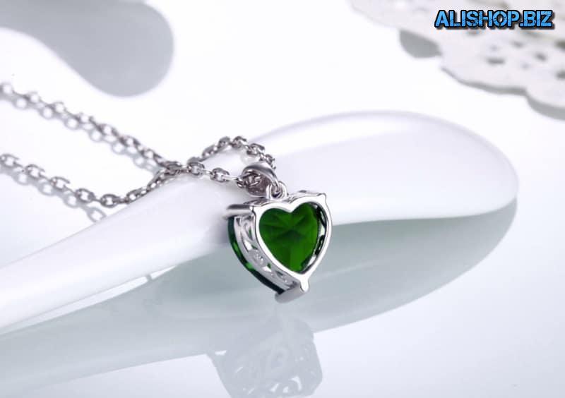 Кулон с зелёным сердечком