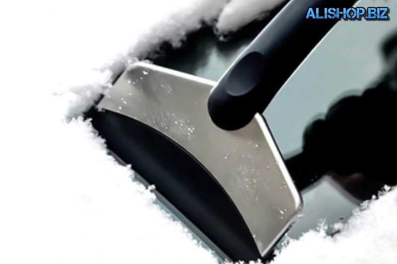 Эргономичная лопатка для уборки льда
