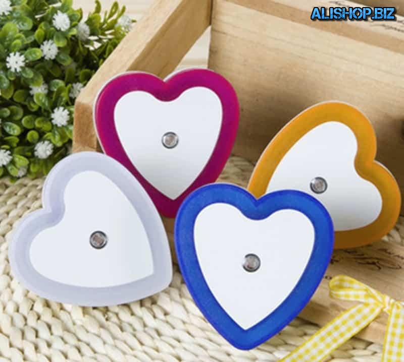 Led nightlight in the shape of a heart