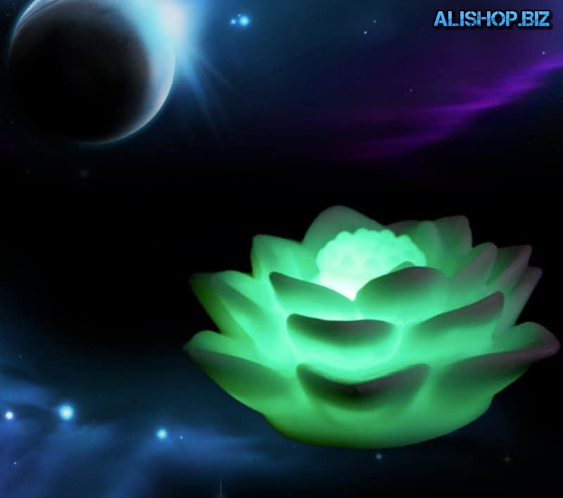 Night light in the shape of a Lotus