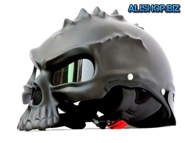 The helmet's skull