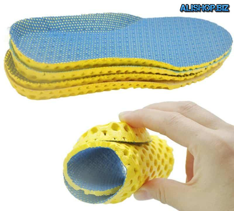 Breathable insoles with honeycomb structure
