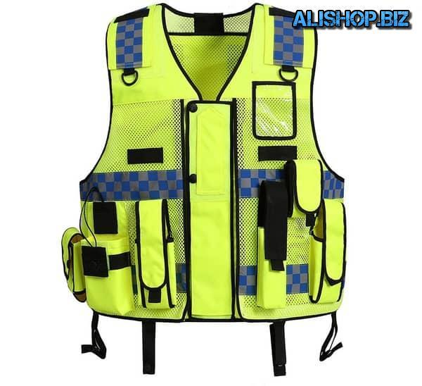 Tactical vest with reflectors