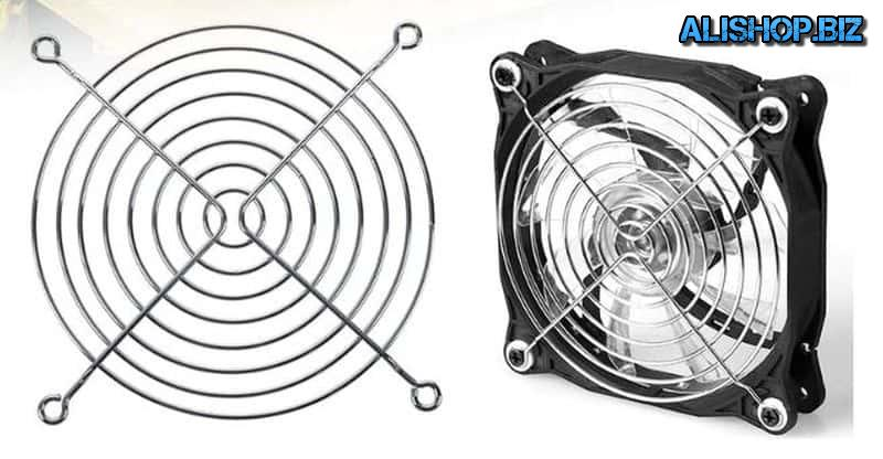 Protective grille for fan