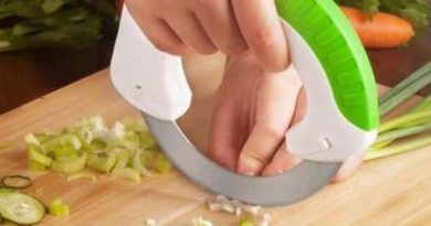 Роликовый нож для кухни