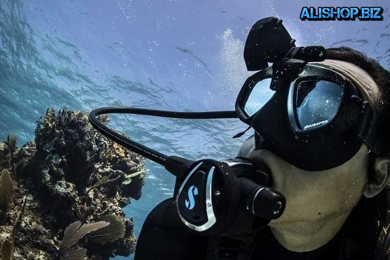 A professional dive computer with HUD display ScubaPro Galileo